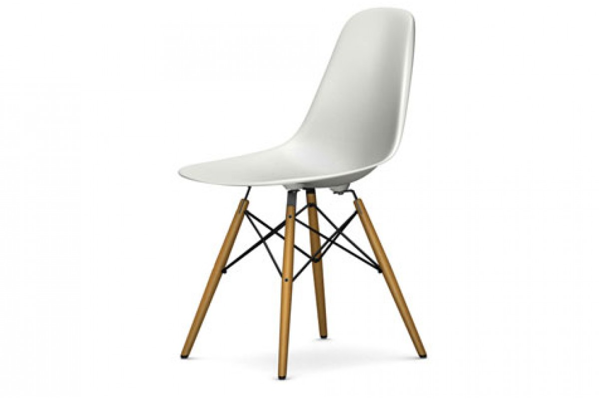 Chaise eames blanche eames la chaise white replica for Chaise scandinave blanche