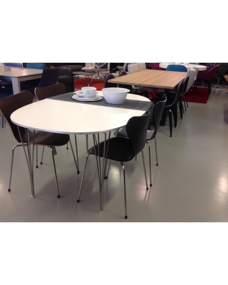 Superellipse spisebord fra utstilling, Bergen