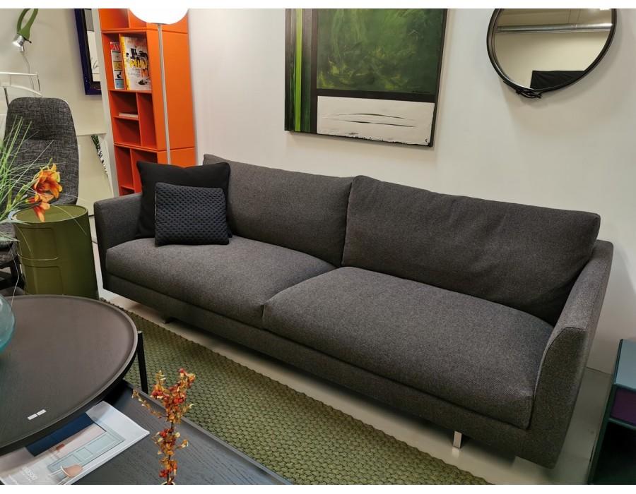 Axel sofa fra utstilling.